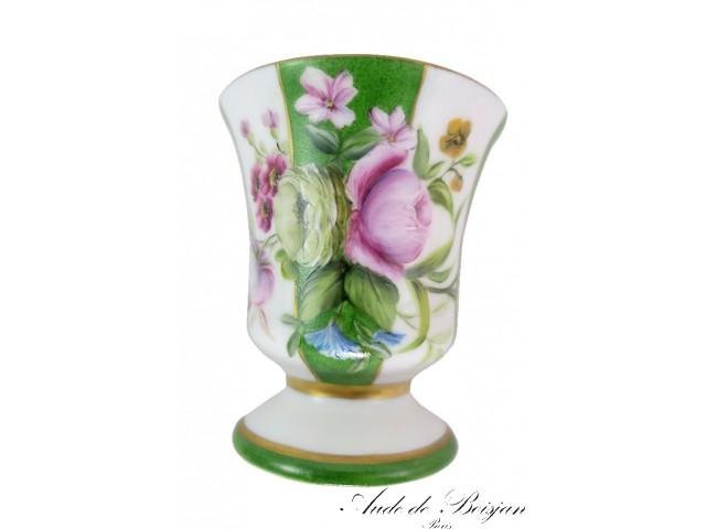 Petit vase bouquet de fleurs et bandes vertes