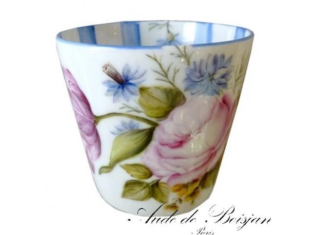 Petit vase bouquet de roses et bleuets