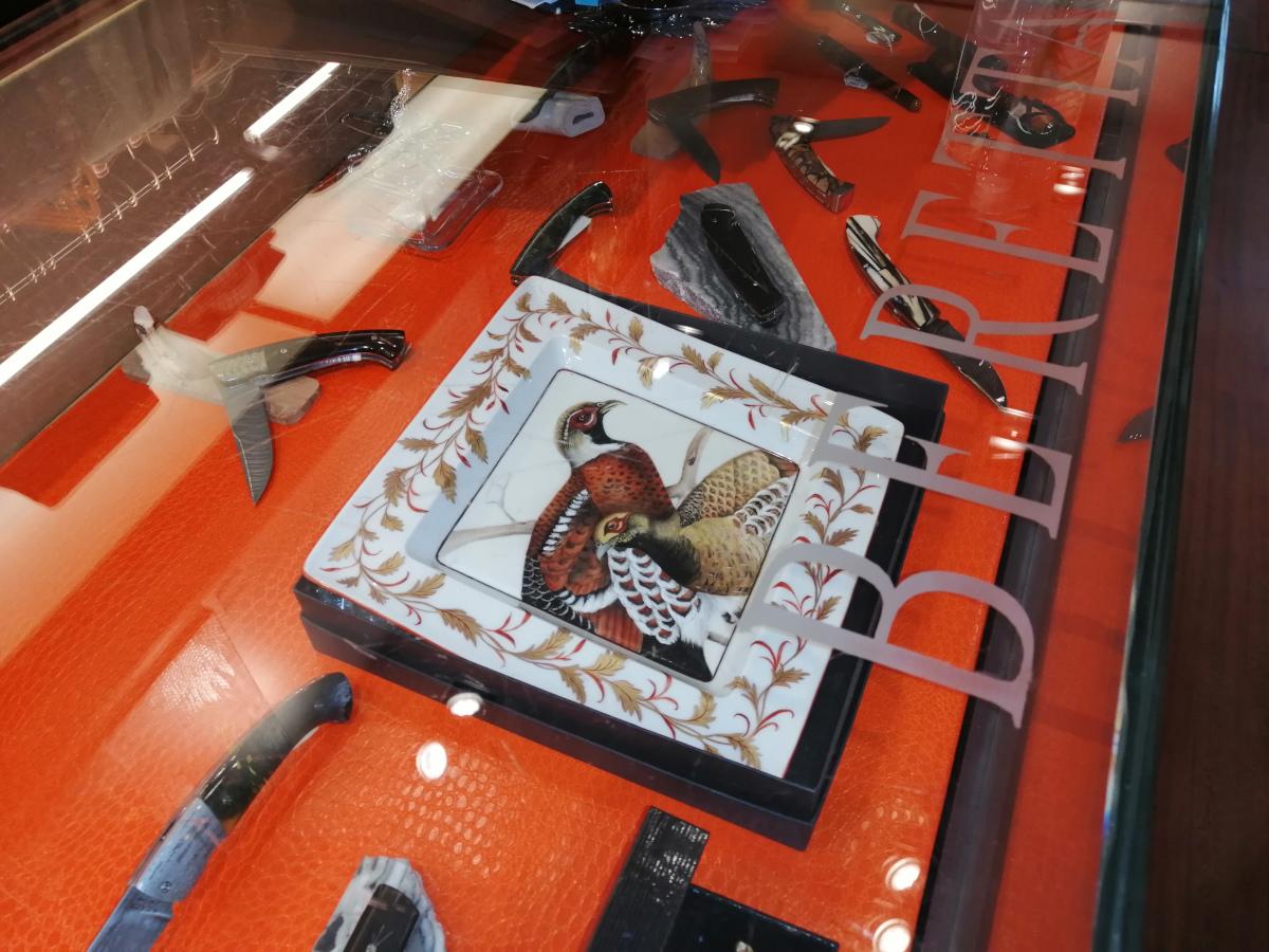 Galerie Bereta Paris exposition porcelaine peinte à la main