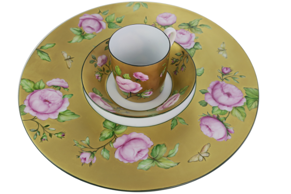 assiette en porcelaine de limoges décor fleur